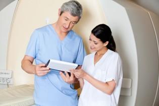 CT 2 doctors 12174703