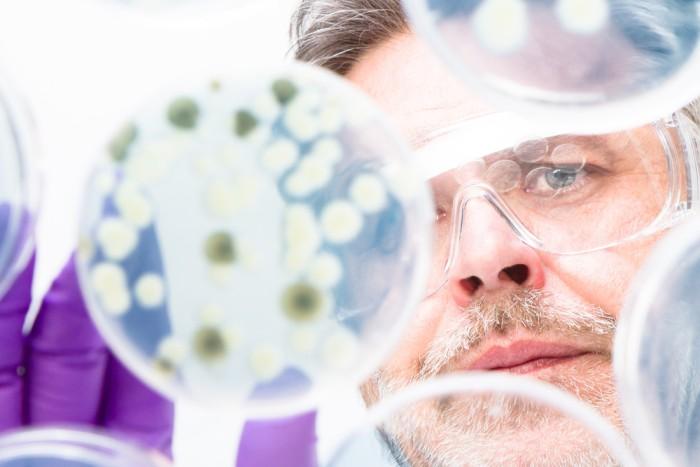 colegiul pacientilor micologie